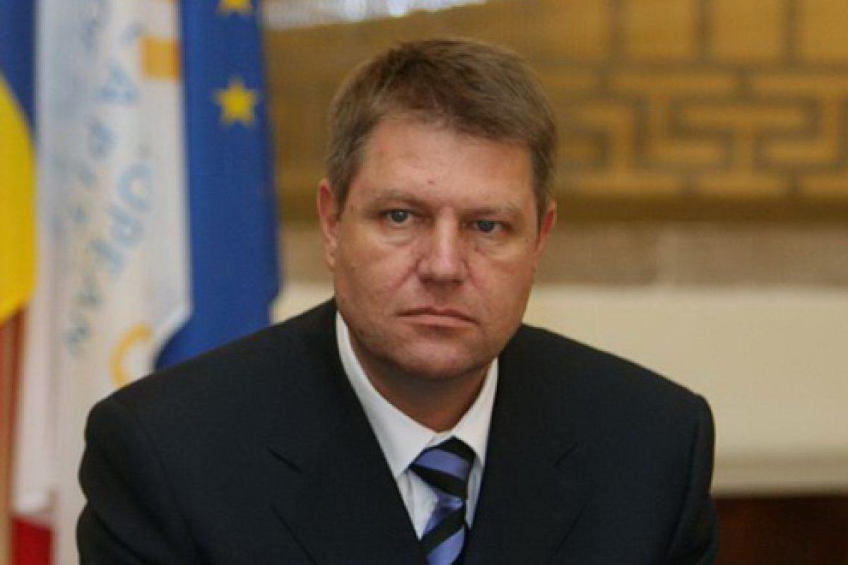 Fetişizarea lui Klaus Iohannis. Eroarea societăţii civile şi contraatacul clasei politice