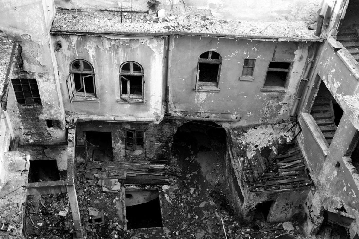 România îngenuncheată de borfaşi – Actualitatea românească 25.05.2015