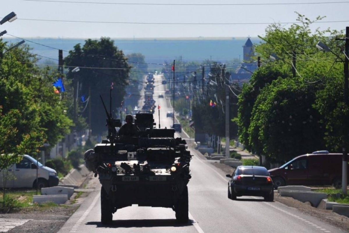 Se întâmplă acum. Zeci de blindate ale armatei SUA gonesc spre Brașov