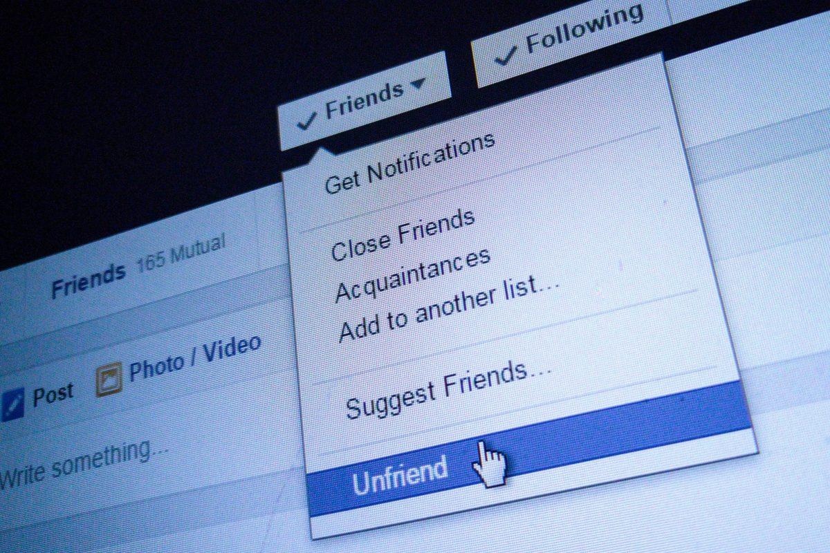 Partide de FaceBook! – Actualitatea românească 11.08.2015