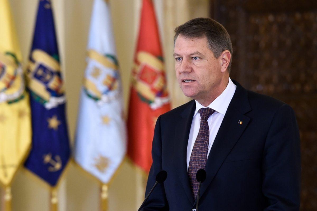 """Într-un singur an, """"Ficusul"""" Iohannis a devenit """"lider maxim""""!"""