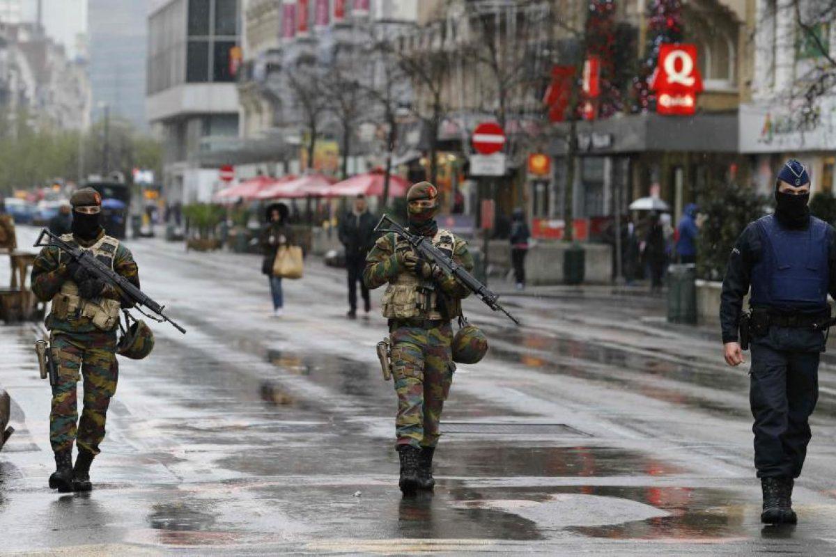 """O româncă stabilită în Bruxelles: """"E mult mai groaznic decât pare. E un adevărat coşmar! Nu se mediatizează tot! Vrem să ne întoarcem în România, dar nu putem"""""""