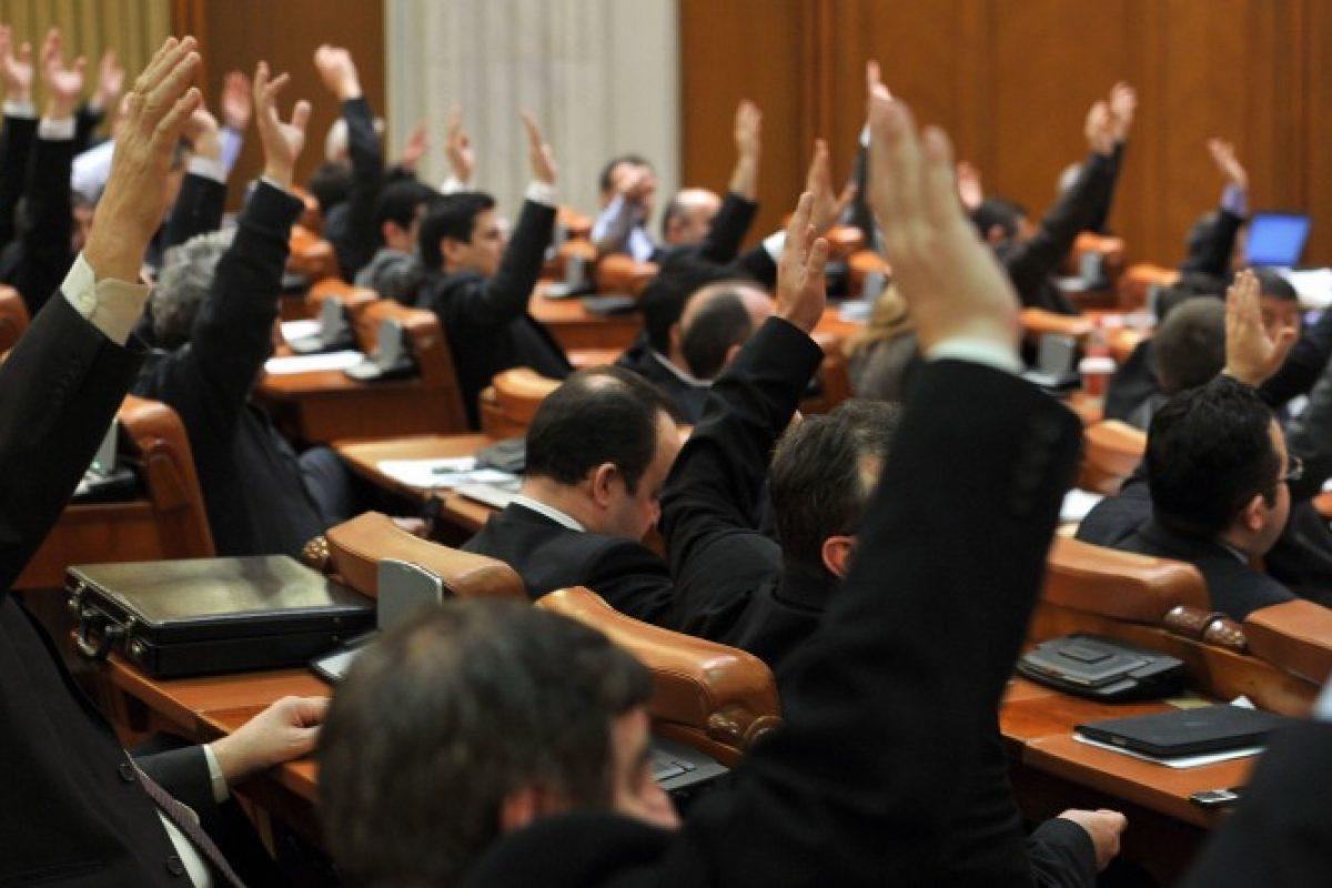 Ce profesii au la baza parlamentarii Romaniei. Nu e de mirare ca suntem cum suntem