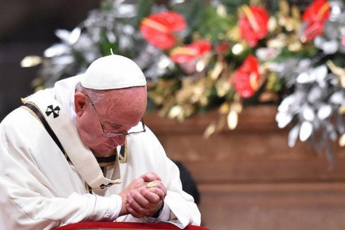Papa Francisc a criticat Occidentul pentru că încearcă să-şi exporte propriul model de democraţie în Irak sau Libia