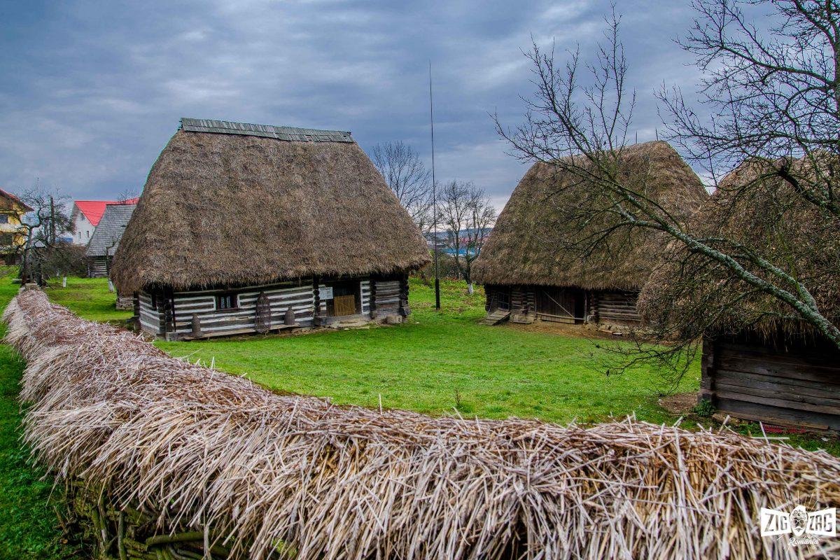 Nemţii şi austriecii cumpără satele părăsite. Casele din zona Munţilor Poiana Ruscă sunt cele mai atractive