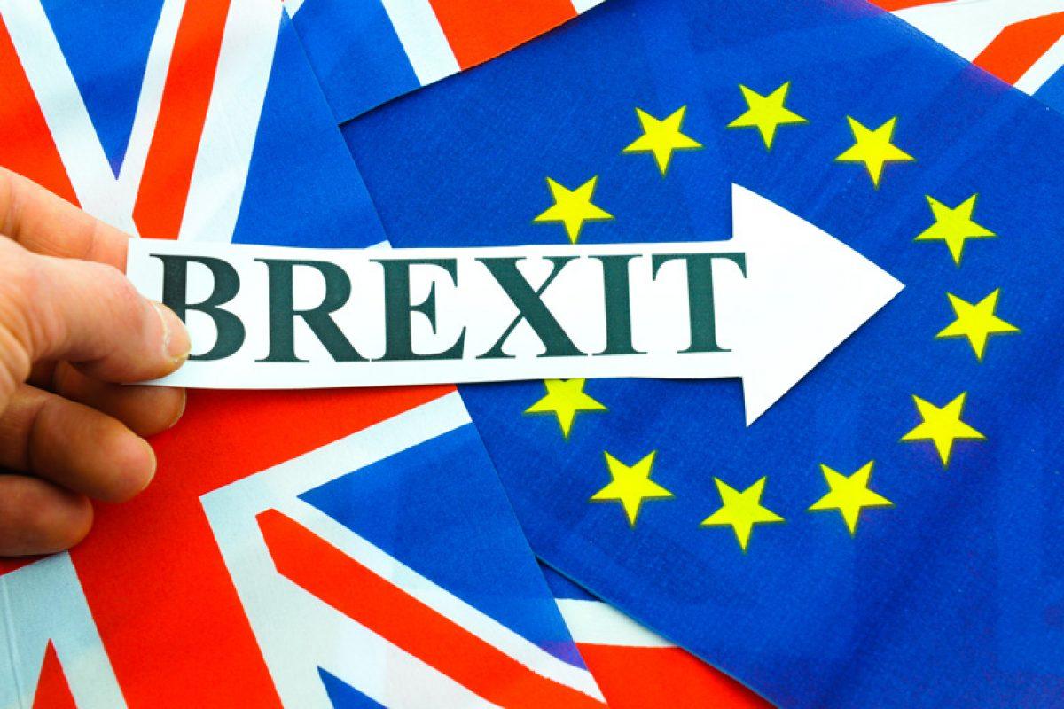 Parlamentarii britanici cer guvernului să îi lase să voteze pentru Brexit