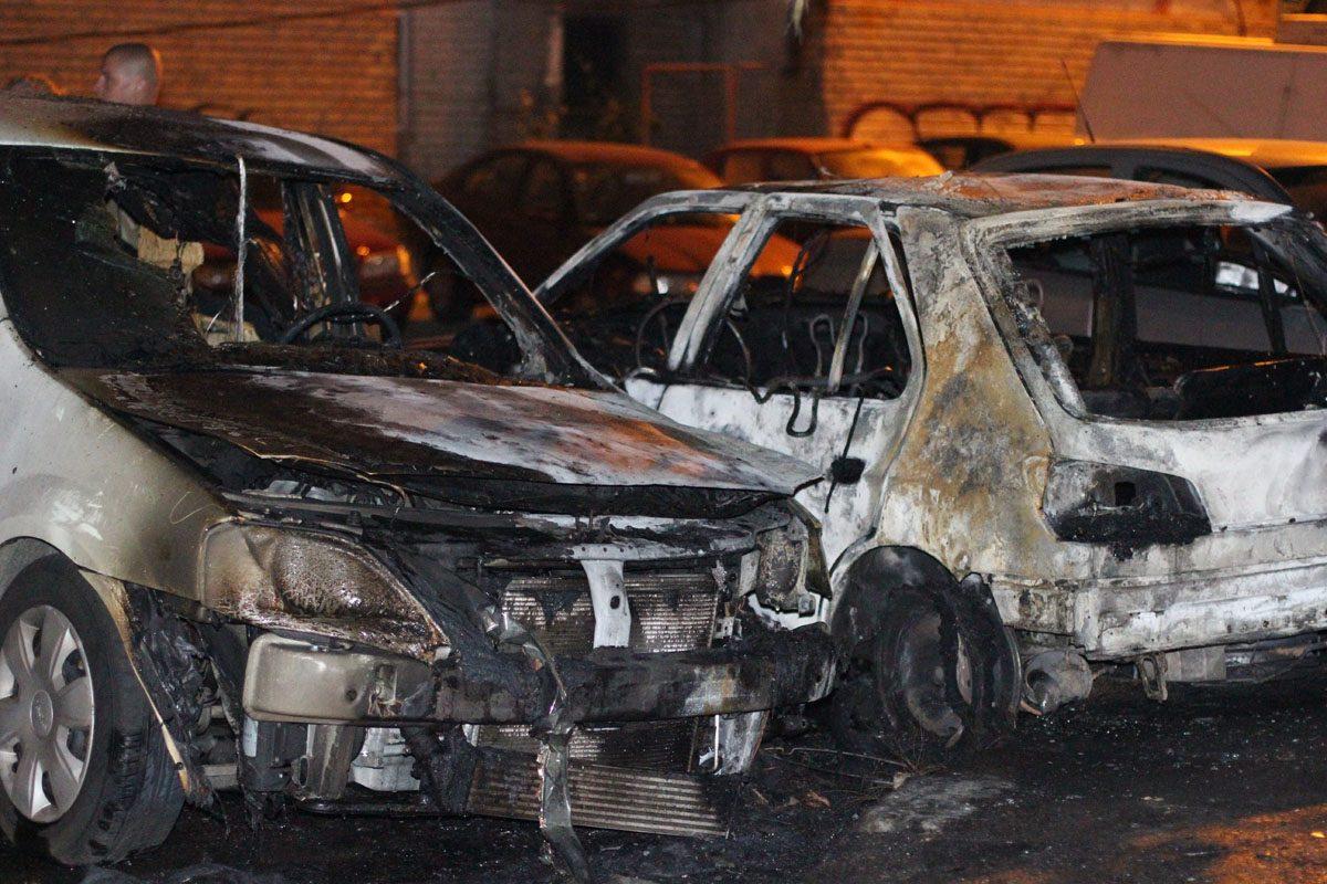 Suedia: Aproape 200 de mașini, incendiate de tineri. Pompierii nu mai fac față solicitărilor