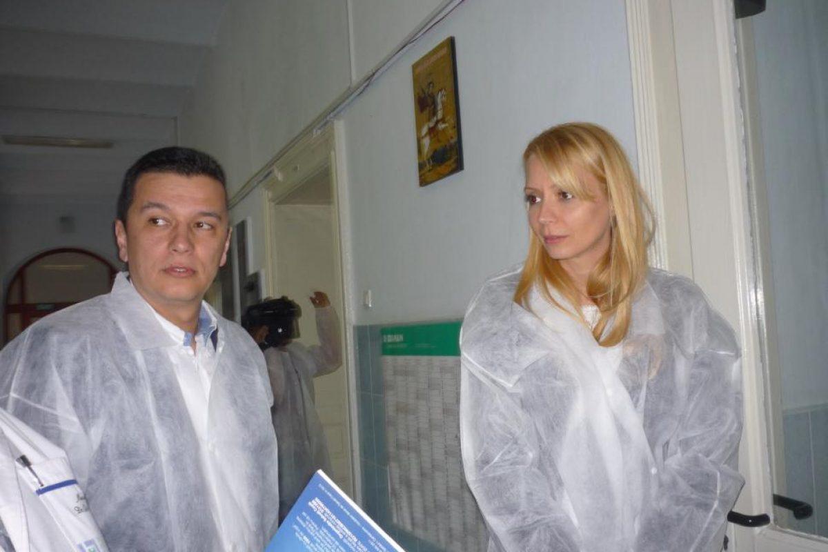 Detaliul neştiut despre premierul Grindeanu şi Daciana Sârbu