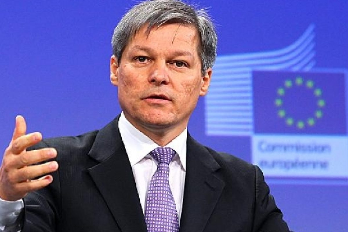 Cioloş porneşte cu stângul în campania electorală: Incident cu fostul premier la Londra