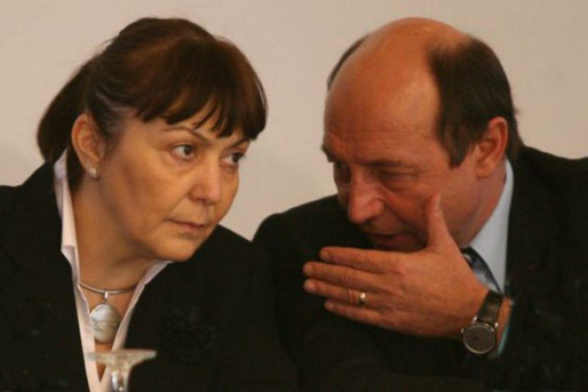 """Băsescu a numit-o pe Macovei la Justiţie pentru că era """"omul lui Soros"""""""