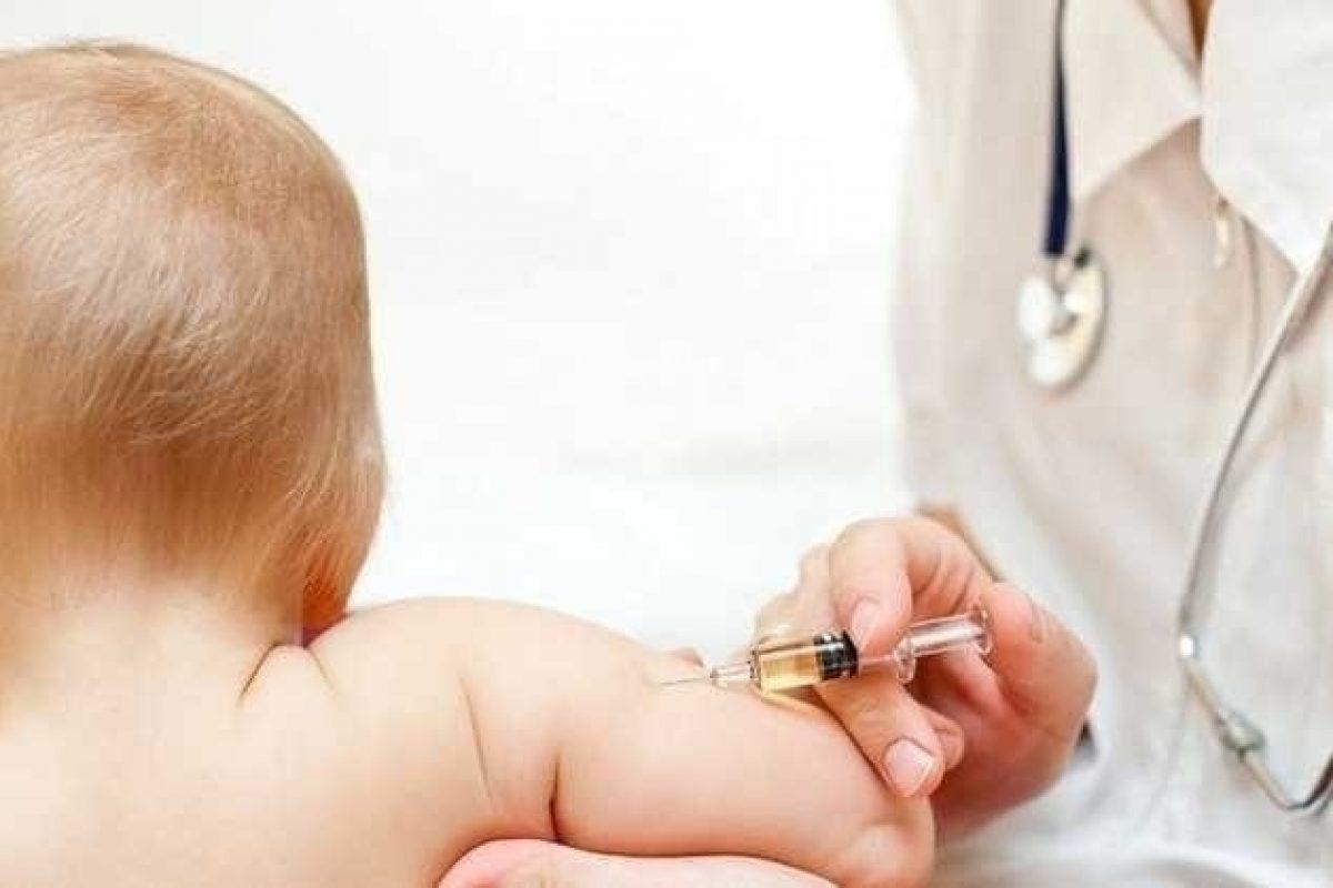 Germania introduce amenzi usturătoare pentru părinții care refuză vaccinarea: Guvernul României încă nu a luat nicio decizie deși 27 de copii au murit de rujeolă