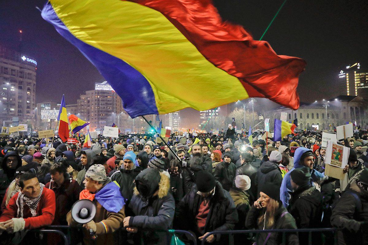 ȘI PROȘTI ȘI TRĂDĂTORI ! – Actualitatea Românească 06.11.2017