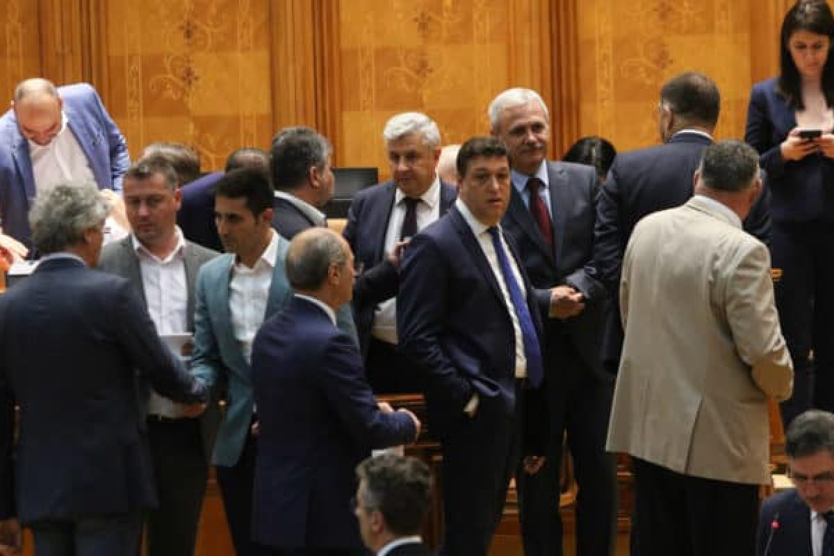 Cum au scos PSD, ALDE și UDMR infractorii din pușcării