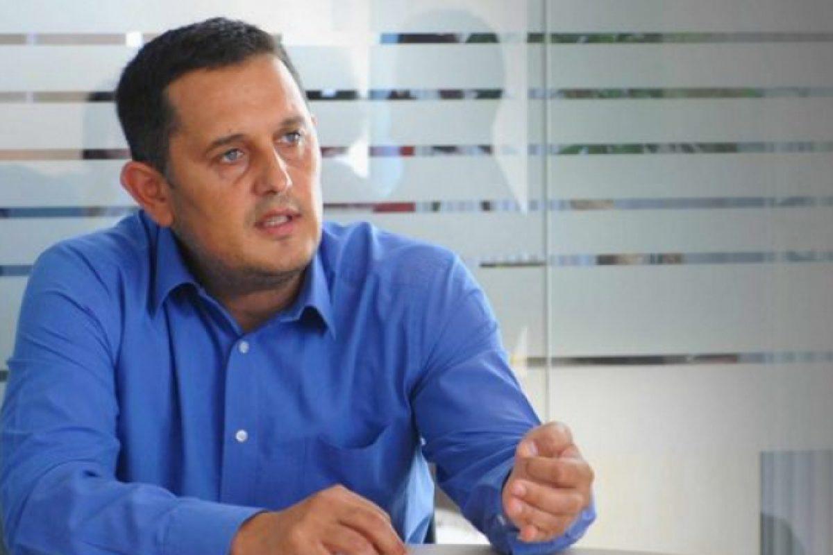 Avocatul Gheorghe Piperea desfiinţează oferta politică: 'PNL îşi pune în frunte un cocalar. La tv apar din ce ce în mai multe fantome'