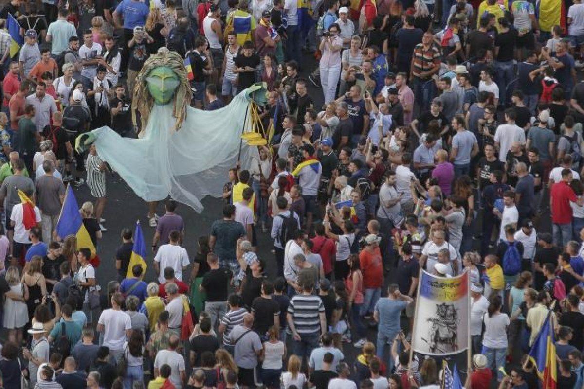 E VREMEA SA SCAPAM DE MAFIA POLITICA – REVOLUTIE !!!