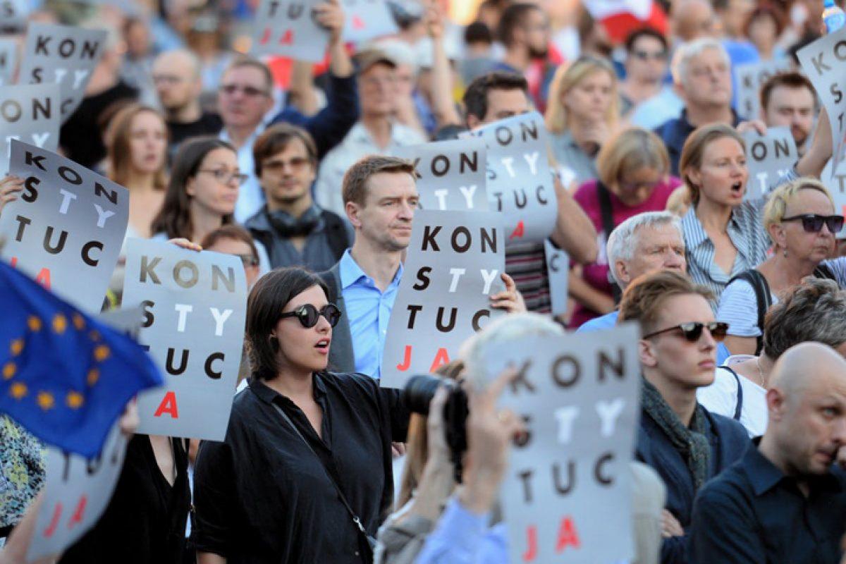 Polonia ne arată calea: judecătorii și procurorii rămân fără imunitate!